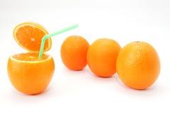 Vier jucy Orangen auf Weiß Stockfotografie