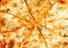 Vier kaaspizza Stock Foto's