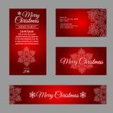 Vier Karten mit weißen Schneeflocken auf rotem Hintergrund Stockfotos