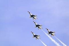 Vier kämpfende Falcons der US-Luftwaffe-F-16C, Stockbild