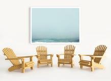 Vier Miniatur-adirondack Stühle auf Weiß Lizenzfreie Stockfotos
