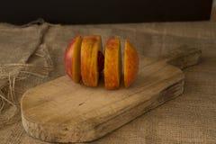 Vier plakken van perzikfruit Royalty-vrije Stock Foto's