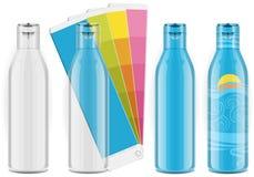 Vier Plastikflaschen mit Farbenpalette und -kennsätzen Lizenzfreies Stockbild