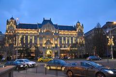 Vier Seizoenenhotel Boedapest in Kerstmislichten Stock Foto's