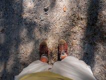 Vier stappen langs een landweg Royalty-vrije Stock Afbeelding
