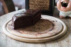 Vier stukken van de heerlijke cake van de veganist donkere chocolade Stock Afbeeldingen