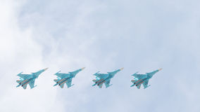 Vier Su-34 im Himmel Stockfotografie