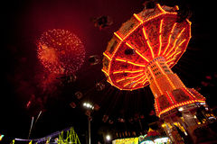Vierde van het vuurwerk en Carnaval van Juli Stock Afbeeldingen