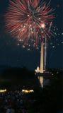 vierde van het Vuurwerk van Juli in gelijkstroom Stock Foto's
