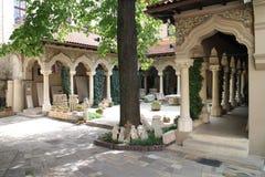 Viereck der Kloster-Kirche Biserica Mănăstirii Stavropoleos Stavropoleos, Bucarest lizenzfreie stockbilder