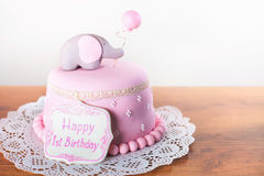 Vierende eerste verjaardag Cake Stock Fotografie