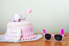 Vierende eerste verjaardag Cake Royalty-vrije Stock Afbeelding