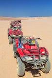 Viererkabelreise auf der Wüste nahe Hurghada Stockbilder