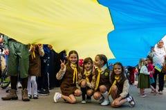Viering van de Dag van de Vlag van de Staat van de Oekraïne in Uzhgorod Stock Afbeeldingen