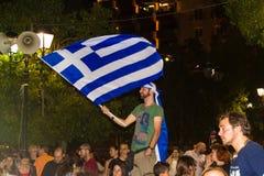 Vieringen in Griekenland na de referendumresultaten Stock Foto's