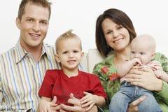Vierköpfige Familie Lizenzfreie Stockfotos