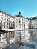 Vierkant dichtbij St Vitus kathedraal in het Kasteel van Praag, Praag, Tsjechische Republiek royalty-vrije stock foto