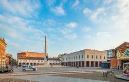 Vierkant van een typische Italiaanse stad stock foto