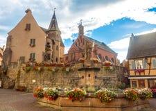 Vierkant van heilige-Leon in de historische stad Eguisheim stock foto