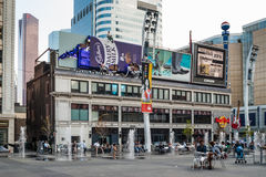 Vierkant yonge-Dundas in Toronto, Canada Stock Foto's