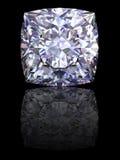 Vierkante diamant op glanzende zwarte achtergrond Stock Foto's