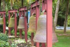 Vierkante Klokken in het centrum van Boeddhisme Nanshan op het eiland van royalty-vrije stock afbeeldingen