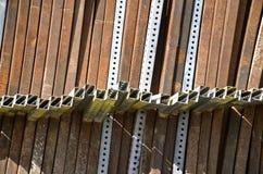 Vierkantstahlbeiträge für Bau Stockbild