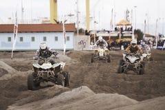 Vierlingen bij motocrossras Royalty-vrije Stock Foto