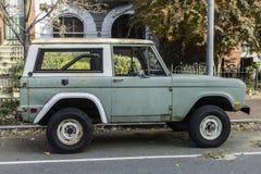 Vierradantriebsportgebrauchsfahrzeug Stockfoto
