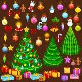 Viert de de boom geïsoleerde decoratie van vakantiekerstmis voor xmass met van de kaarsensterren van bal gouden klokken de lichte Stock Afbeelding
