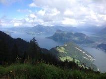 Vierwaldstättersee in der Schweiz lizenzfreie stockfotos