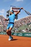 Vierzehn Zeiten Grand Slam-Meister Rafael Nadal in der Aktion während seines dritten Rundenmatches bei Roland Garros 2015 stockbild