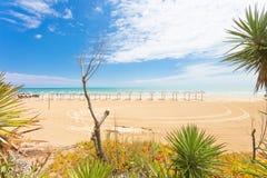Vieste Italien - besöka det rumsrent och dreamily stranden av Vieste royaltyfria bilder