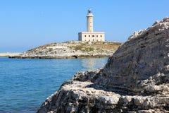 Vieste latarnia morska w Adriatyckim morzu, Włochy Zdjęcia Stock