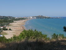 Vieste. Panorama on Pizzomunno rock and the beach of Vieste, Puglia, Italy when you arrive by car Stock Photo