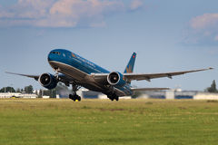 Vietnam Airlines Boeing B777-2Q8/ER Stock Images