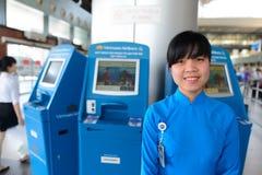 Vietnam Airlines provê de pessoal o retrato Fotos de Stock