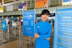 Vietnam Airlines provê de pessoal o retrato Fotografia de Stock