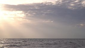 vietnam Bella caduta del sole sull'alto mare declino Lo stato pacificato archivi video