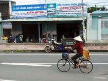 Vietnam cyklist Royaltyfri Fotografi