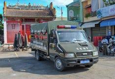 Vietnam, de stad van Nha Trang: Stadspolitiewagen royalty-vrije stock foto