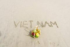Vietnam geschrieben auf den Sand Stockfotografie