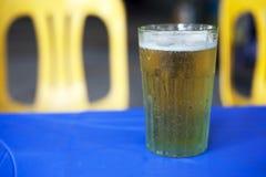 Vietnam, Glas Bia Hoi-bier Royalty-vrije Stock Foto's