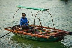 Vietnam, Ha snakt Baai in de Golf van Tonkin 20 December, 2013 Stock Foto