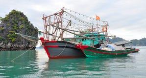 Vietnam, Halong-Baai Stock Foto's