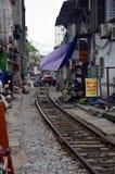 Vietnam - Hanoi - das alte Viertel - die Hanoi-Straßen-Bahngleise Stockfotos