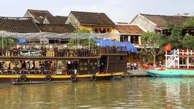Vietnam Hoi An - Januari 2017: Kaj Bon River i Hoi An, Vietnam lager videofilmer