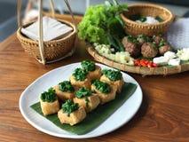 Vietnam mat, tofuen som överträffades med uppståndelse, stekte den kinesiska gräslöken Fotografering för Bildbyråer
