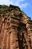 Vietnam - mein Sohn - aleternative Winkel des Tempels an meinem Sohn-Schongebiet die Ruinen des Cham-Vietnam-Welterbes lizenzfreie stockfotografie