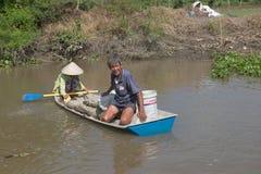 Vietnam Mekong delta som svävar marknaden royaltyfria foton